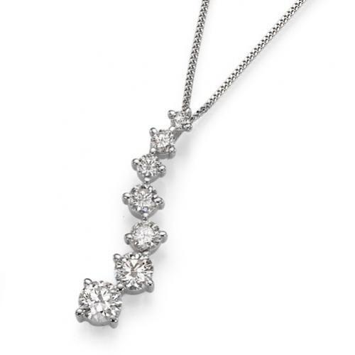 תליון יהלומים מקטן לגדול