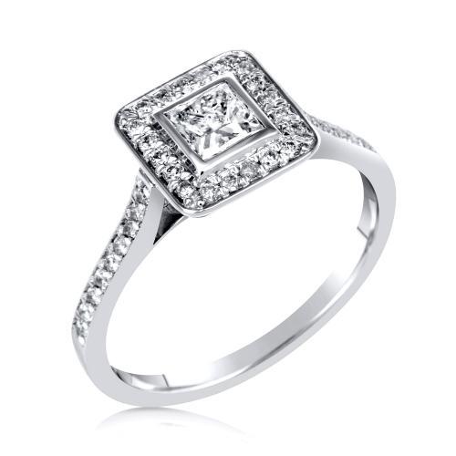 טבעת יהלום בחיתוך מרובע