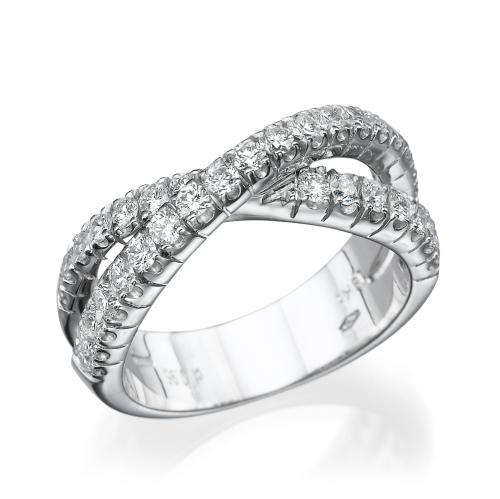 טבעת יהלומים בעיצוב מיוחד