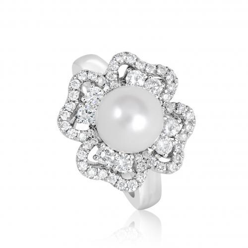 טבעת יהלומים בשילוב פנינה