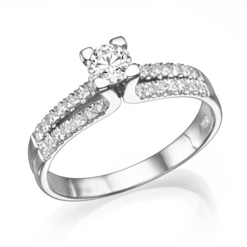 טבעת יהלום אירוסין-מלכות